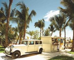 1933 Rolls Royse food truck