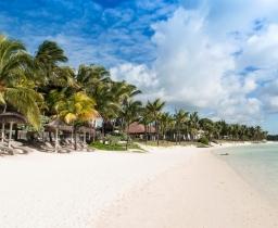 Pláž před vilami