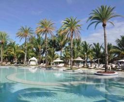 Hlavni bazén, LUX* Belle Mare