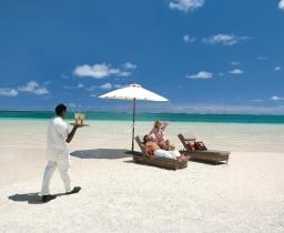 Pláž před LUX* Belle Mare Villas